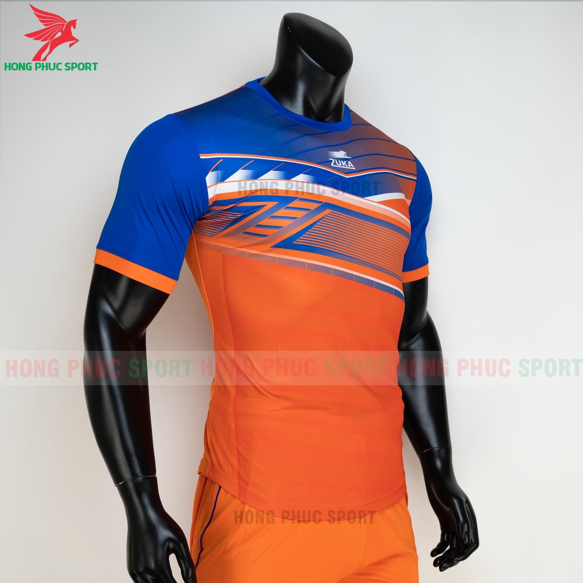 https://cdn.hongphucsport.com/unsafe/s4.shopbay.vn/files/285/ao-bong-da-khong-logo-zuka-01-mau-cam-5-60502bc34c862.png