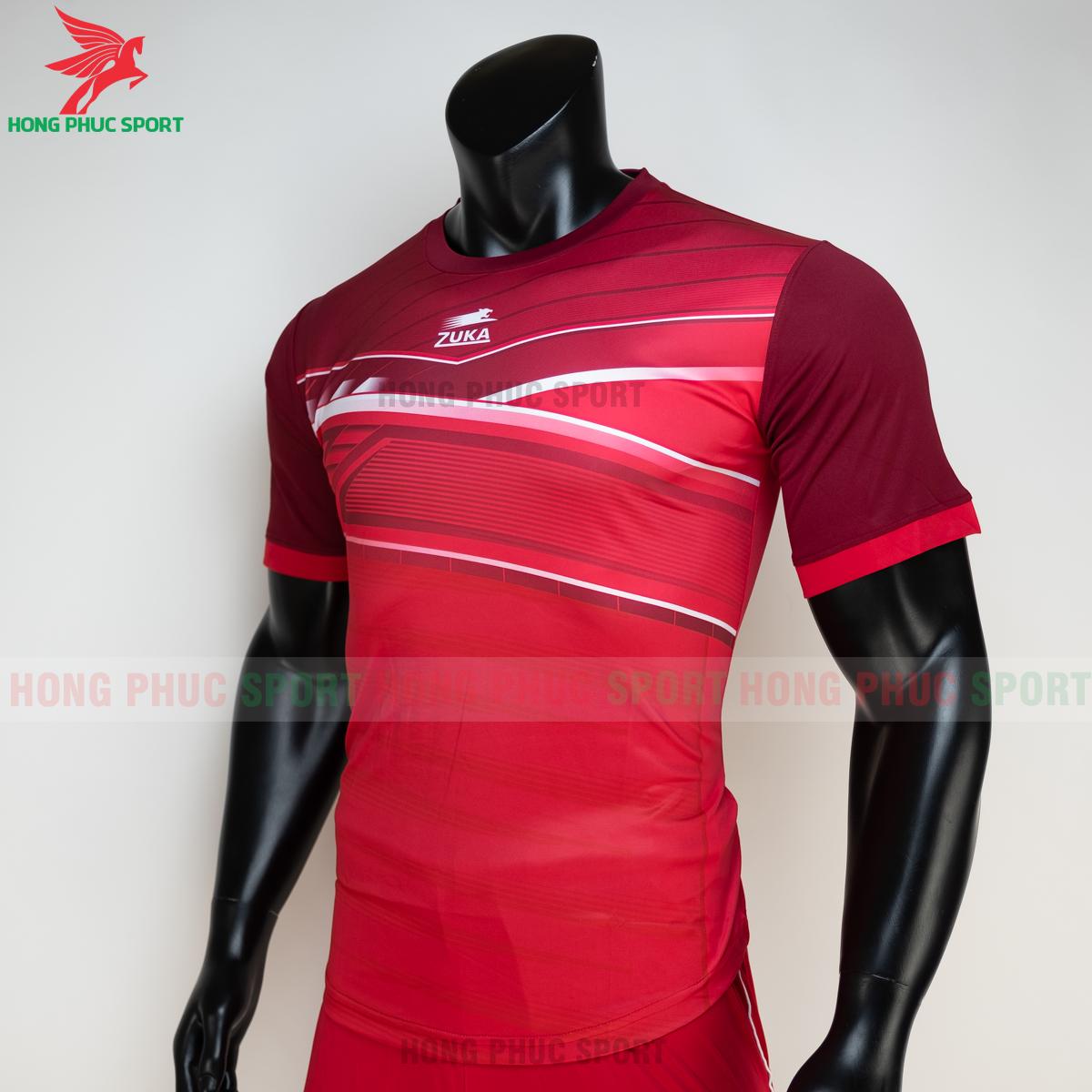 https://cdn.hongphucsport.com/unsafe/s4.shopbay.vn/files/285/ao-bong-da-khong-logo-zuka-01-mau-do-4-60502d4c39d27.png