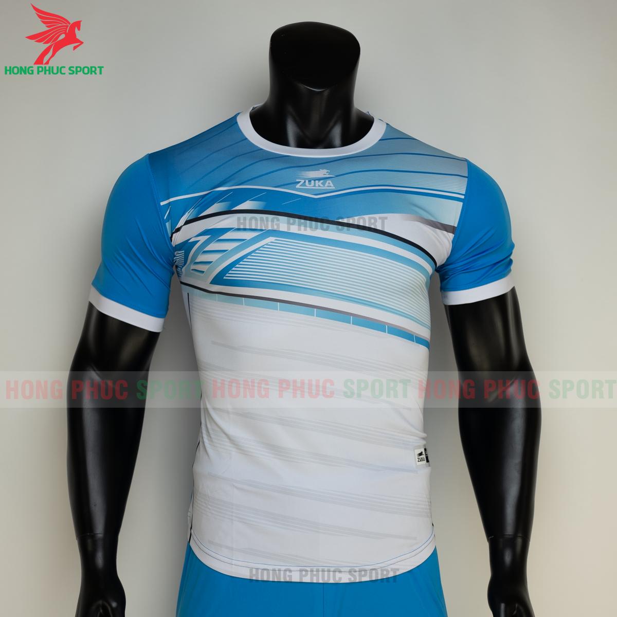 https://cdn.hongphucsport.com/unsafe/s4.shopbay.vn/files/285/ao-bong-da-khong-logo-zuka-01-mau-xanh-1-60502e70a8bca.png