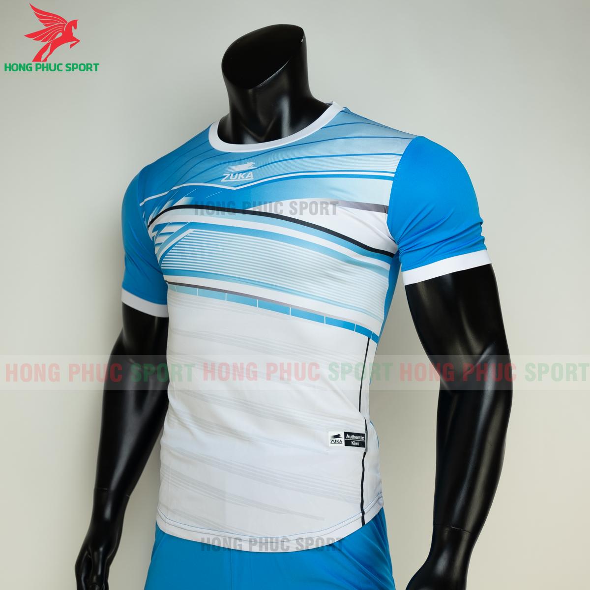 https://cdn.hongphucsport.com/unsafe/s4.shopbay.vn/files/285/ao-bong-da-khong-logo-zuka-01-mau-xanh-4-60502e7518ed0.png