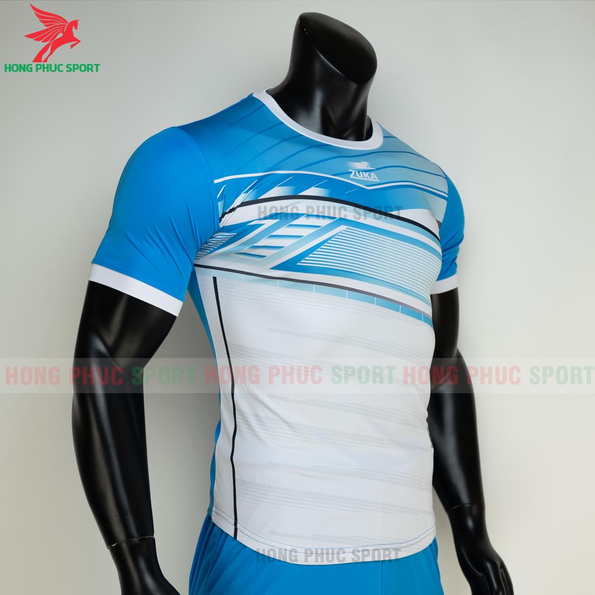 https://cdn.hongphucsport.com/unsafe/s4.shopbay.vn/files/285/ao-bong-da-khong-logo-zuka-01-mau-xanh-5-60502e792bc72.png