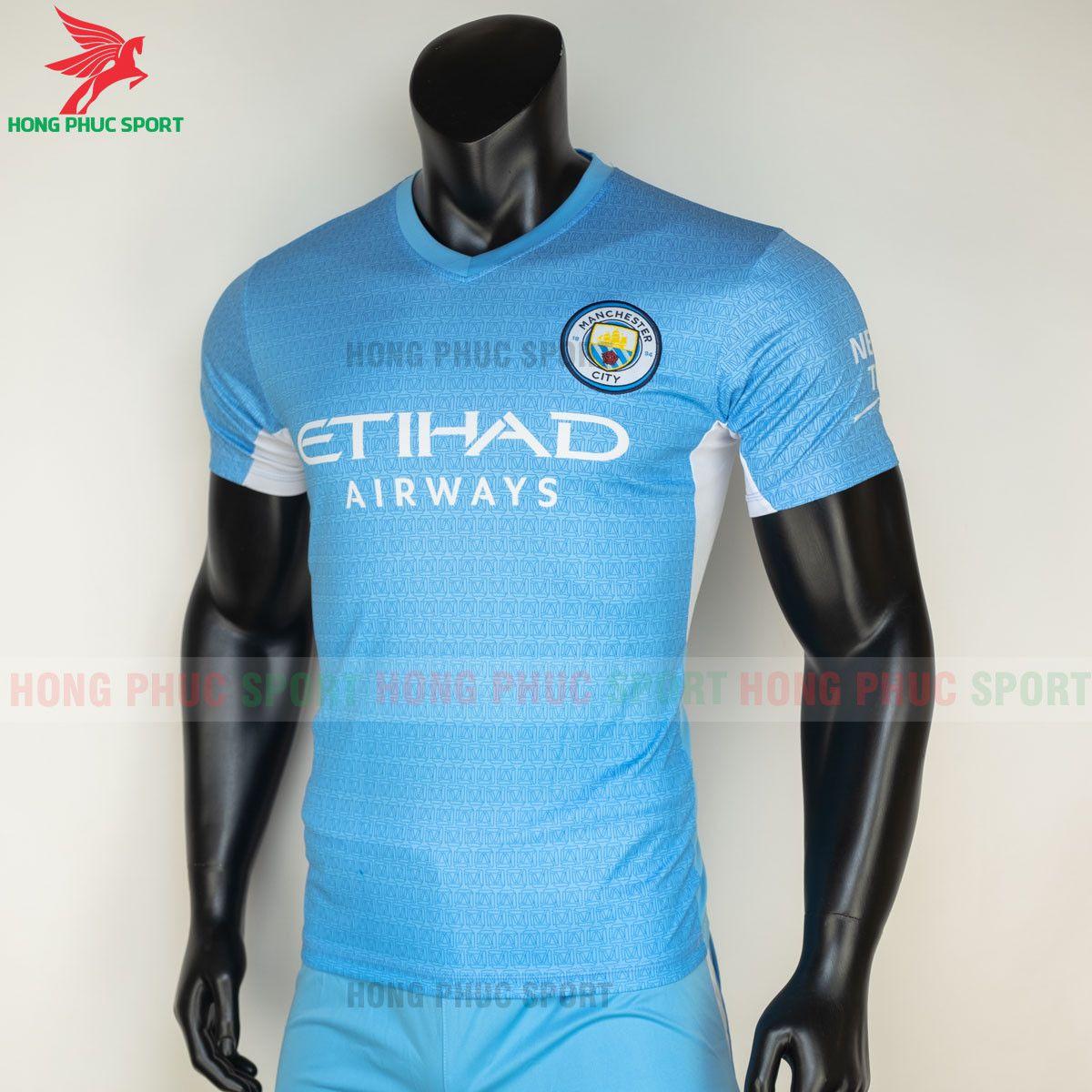 https://cdn.hongphucsport.com/unsafe/s4.shopbay.vn/files/285/ao-bong-da-manchester-city-2021-2022-san-nha-3-60d3015f047f5.jpg