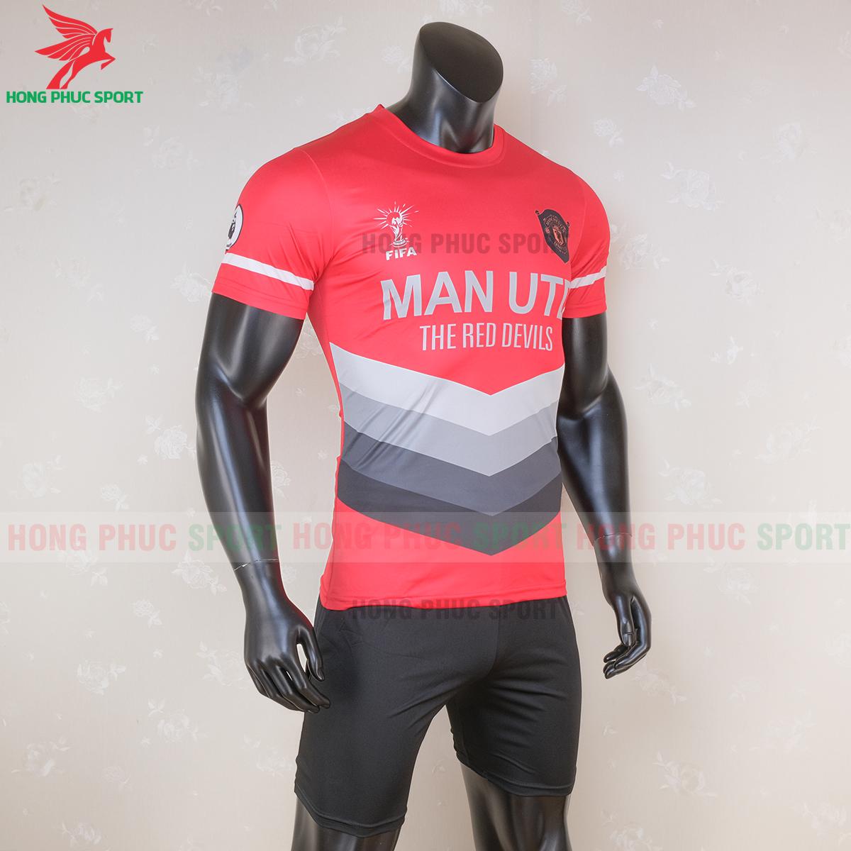 https://cdn.hongphucsport.com/unsafe/s4.shopbay.vn/files/285/ao-bong-da-manchester-united-2020-2021-phien-ban-fan-mau-5-1-5f6c116bd5cfa.png