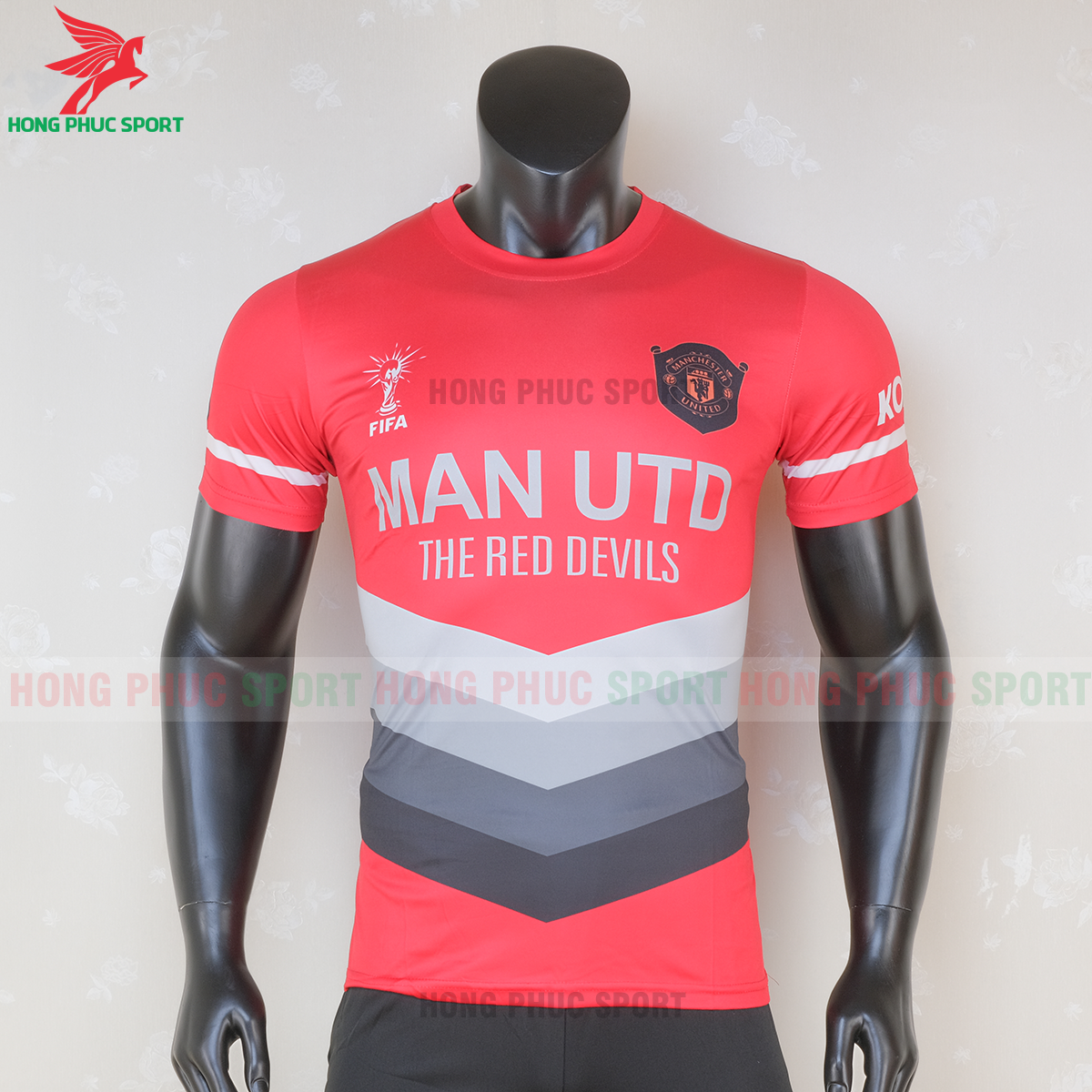 https://cdn.hongphucsport.com/unsafe/s4.shopbay.vn/files/285/ao-bong-da-manchester-united-2020-2021-phien-ban-fan-mau-5-5-5f6c1163ad132.png