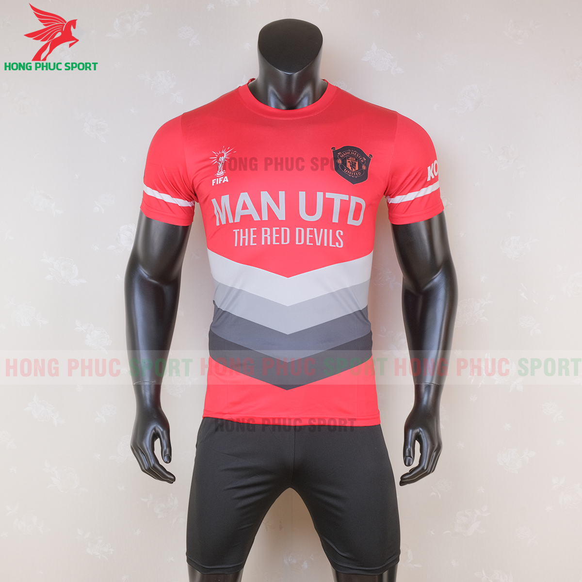 https://cdn.hongphucsport.com/unsafe/s4.shopbay.vn/files/285/ao-bong-da-manchester-united-2020-2021-phien-ban-fan-mau-5-6-5f6c116115956.png
