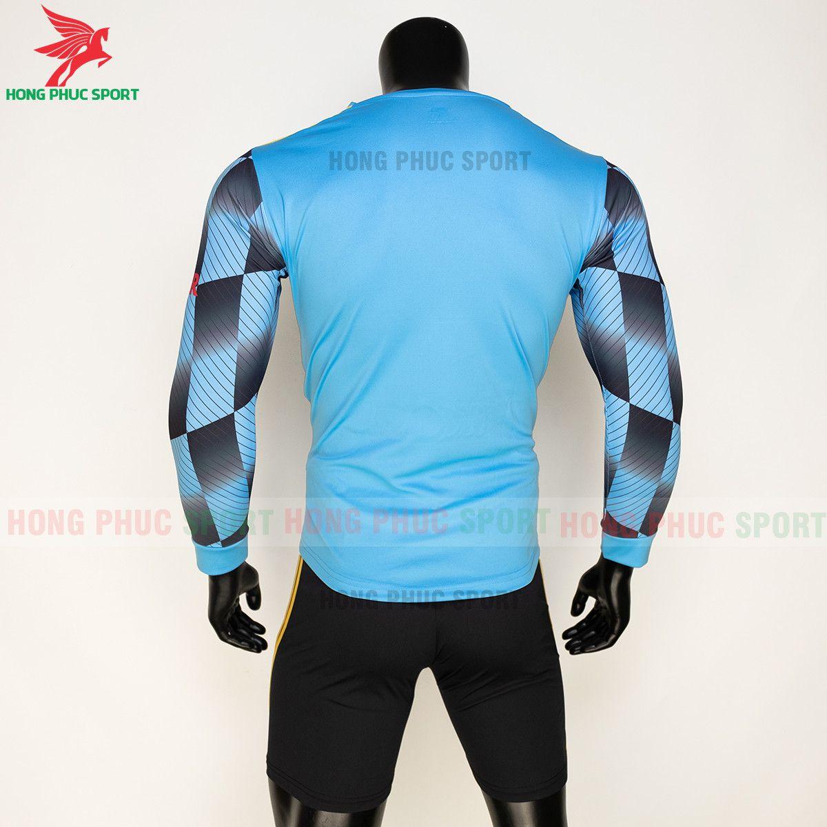 https://cdn.hongphucsport.com/unsafe/s4.shopbay.vn/files/285/ao-bong-da-mu-dai-tay-2021-22-mau-thu-3-thun-lanh-615d4f8d9b3ec.jpg