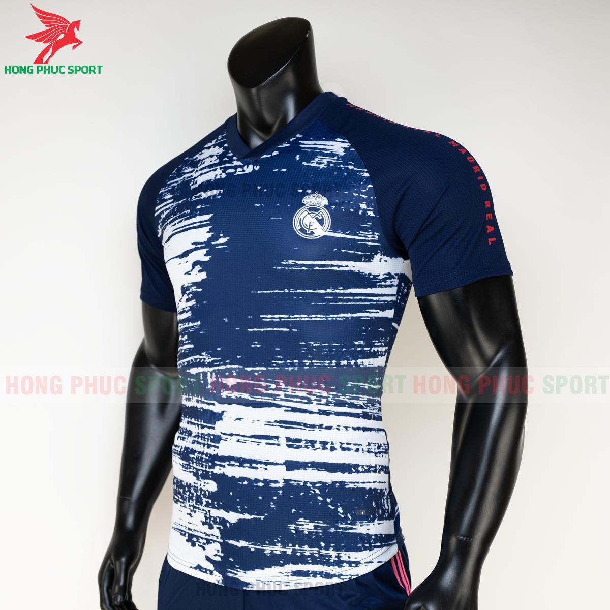 https://cdn.hongphucsport.com/unsafe/s4.shopbay.vn/files/285/ao-bong-da-real-madrid-20-21-pre-match-hang-thailand-3-5faf55e527f08.png