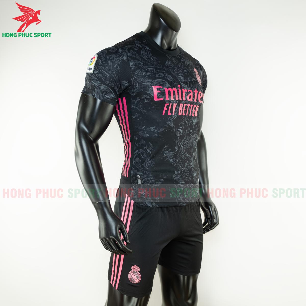 https://cdn.hongphucsport.com/unsafe/s4.shopbay.vn/files/285/ao-bong-da-real-madrid-2020-2021-mau-thu-3-hang-thailand-4-5f8fea5411b42.png