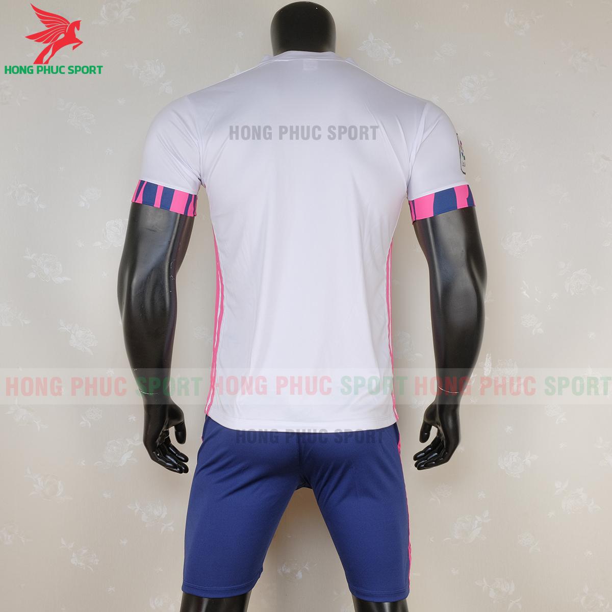 https://cdn.hongphucsport.com/unsafe/s4.shopbay.vn/files/285/ao-bong-da-real-madrid-2020-2021-san-nha-mau-2-2-5f6c5d3996b05.png