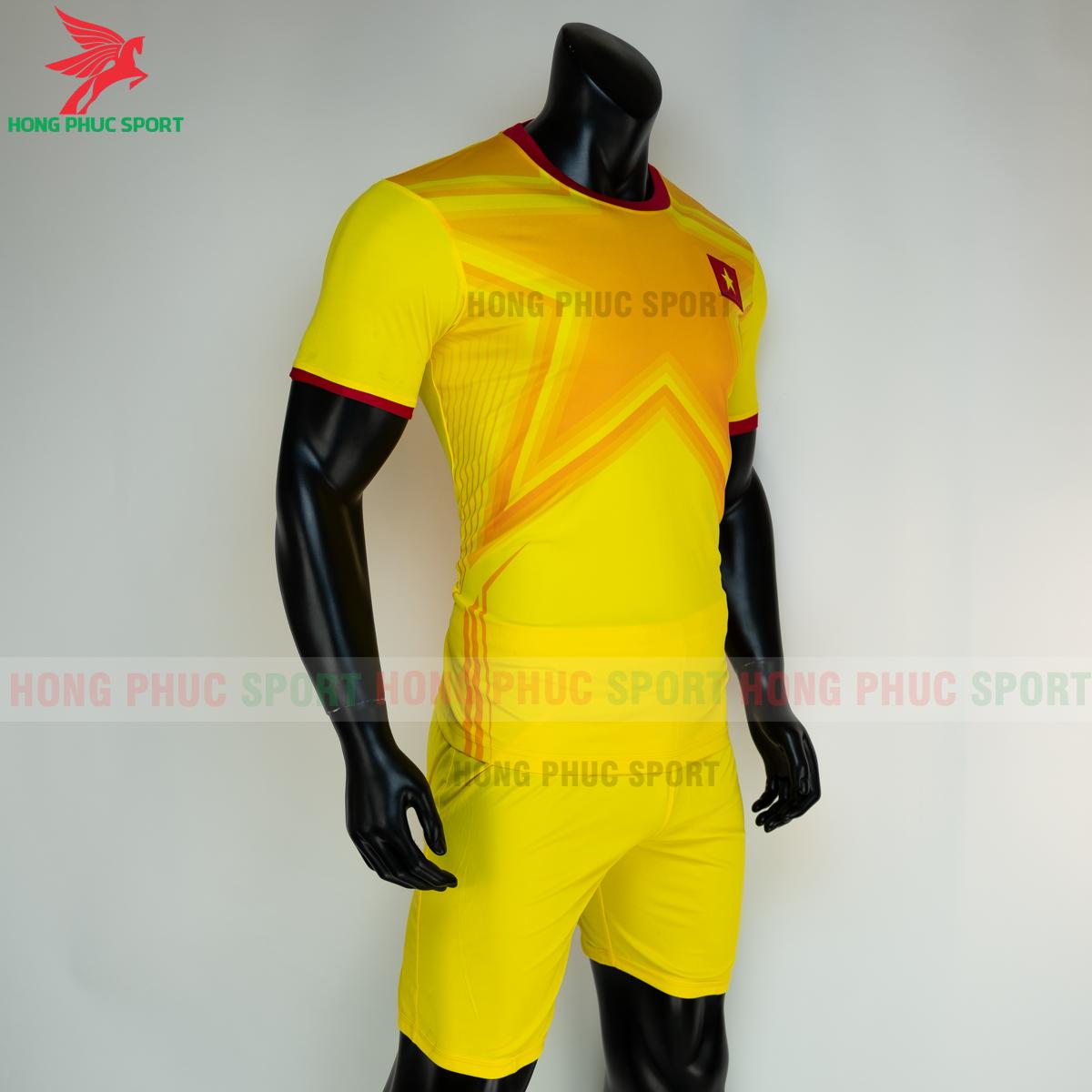 https://cdn.hongphucsport.com/unsafe/s4.shopbay.vn/files/285/ao-bong-da-thu-mon-viet-nam-2021-san-khach-6-605039663b8bc.png