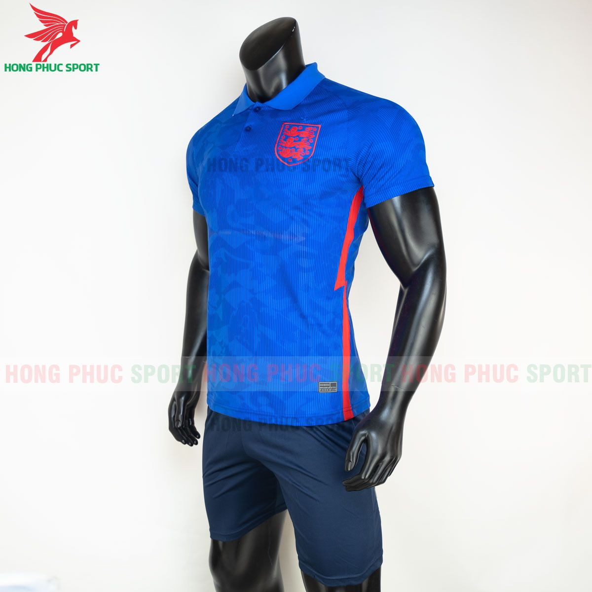 https://cdn.hongphucsport.com/unsafe/s4.shopbay.vn/files/285/ao-bong-da-tuyen-anh-2021-san-khach-hang-thai-4-60d2f98684903.jpg