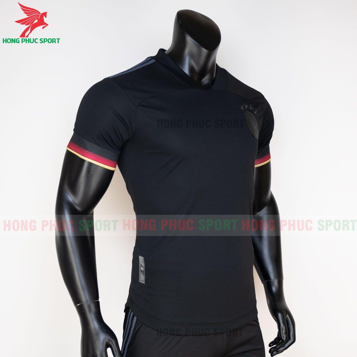 https://cdn.hongphucsport.com/unsafe/s4.shopbay.vn/files/285/ao-bong-da-tuyen-duc-2021-san-khach-hang-thai-3-60d2ffcb91193.jpg