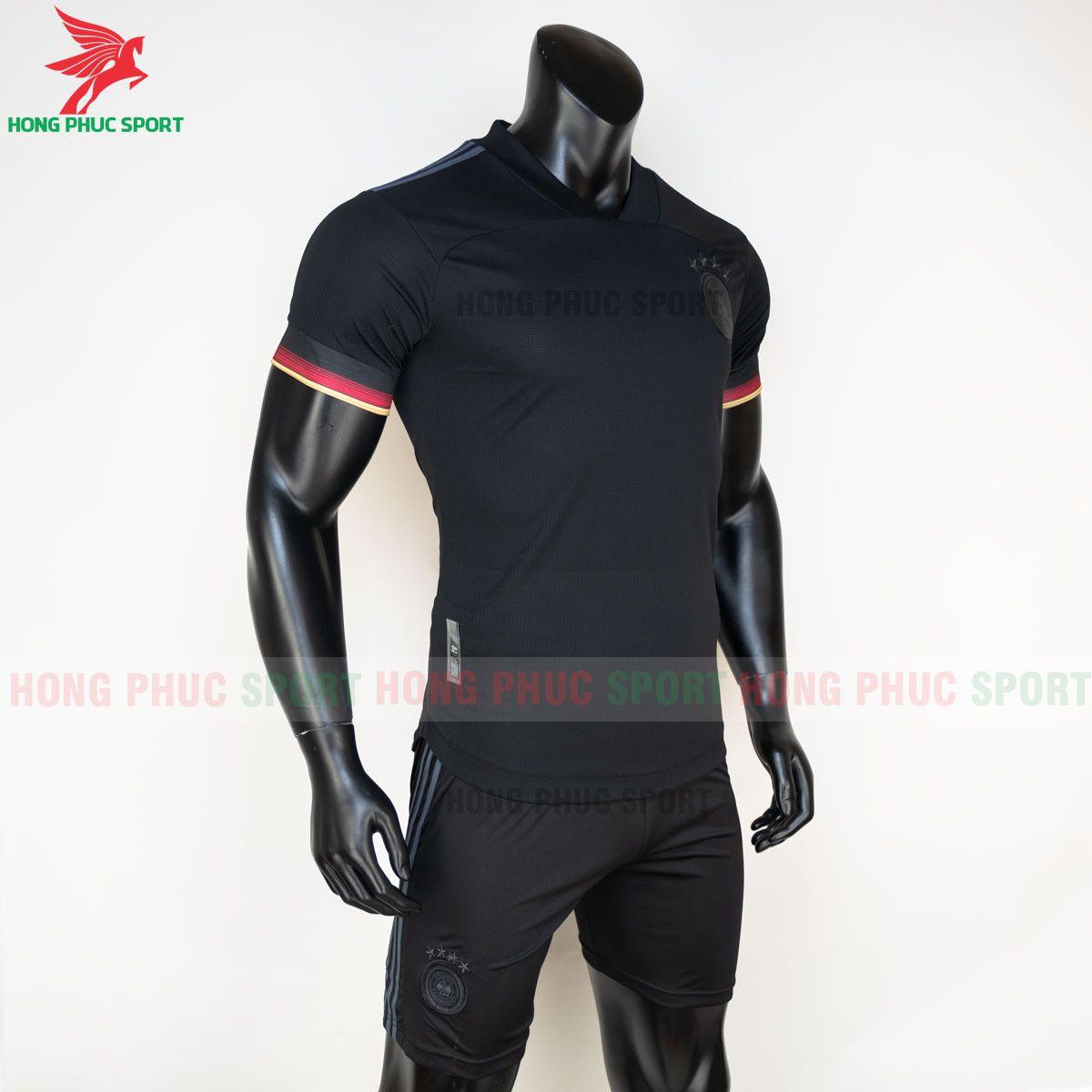 https://cdn.hongphucsport.com/unsafe/s4.shopbay.vn/files/285/ao-bong-da-tuyen-duc-2021-san-khach-hang-thai-4-60d2ffcba2ff2.jpg