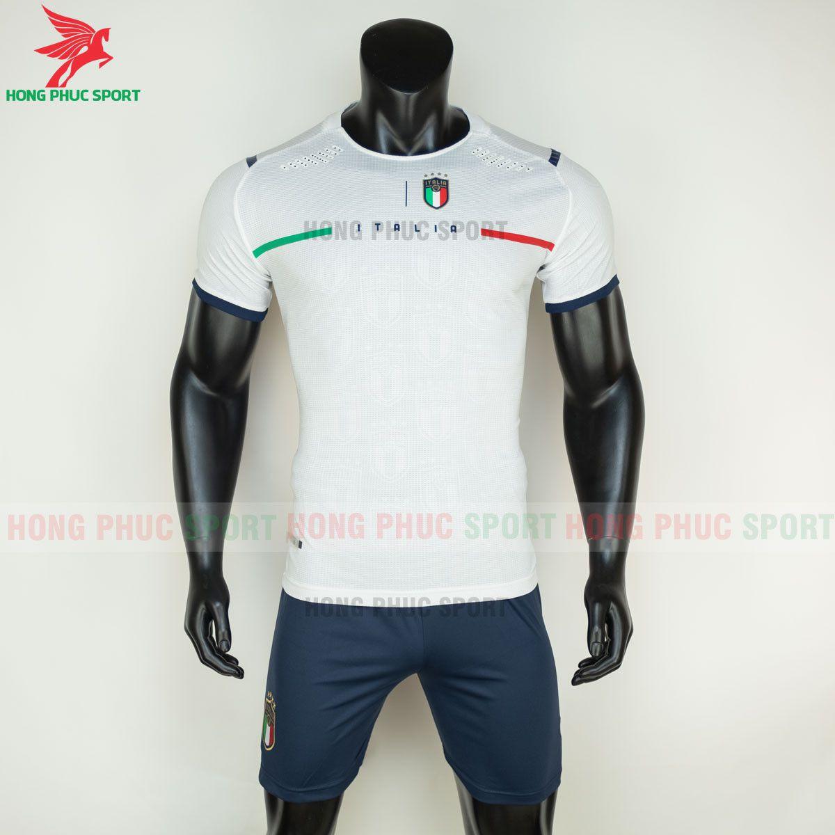 https://cdn.hongphucsport.com/unsafe/s4.shopbay.vn/files/285/ao-bong-da-tuyen-italia-2021-san-khach-hang-thai-2-60d2fefa7a131.jpg