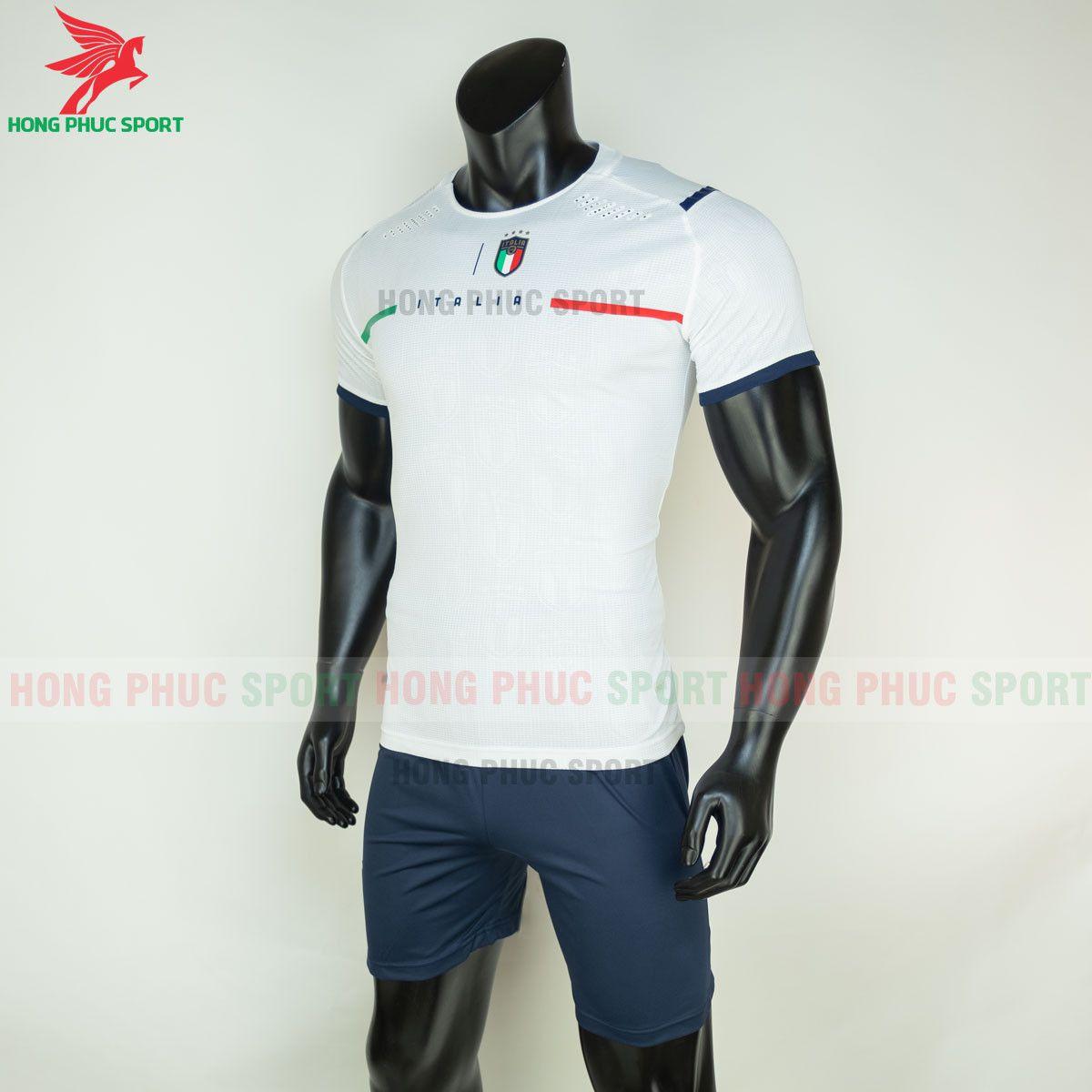 https://cdn.hongphucsport.com/unsafe/s4.shopbay.vn/files/285/ao-bong-da-tuyen-italia-2021-san-khach-hang-thai-4-60d2fefaa2040.jpg