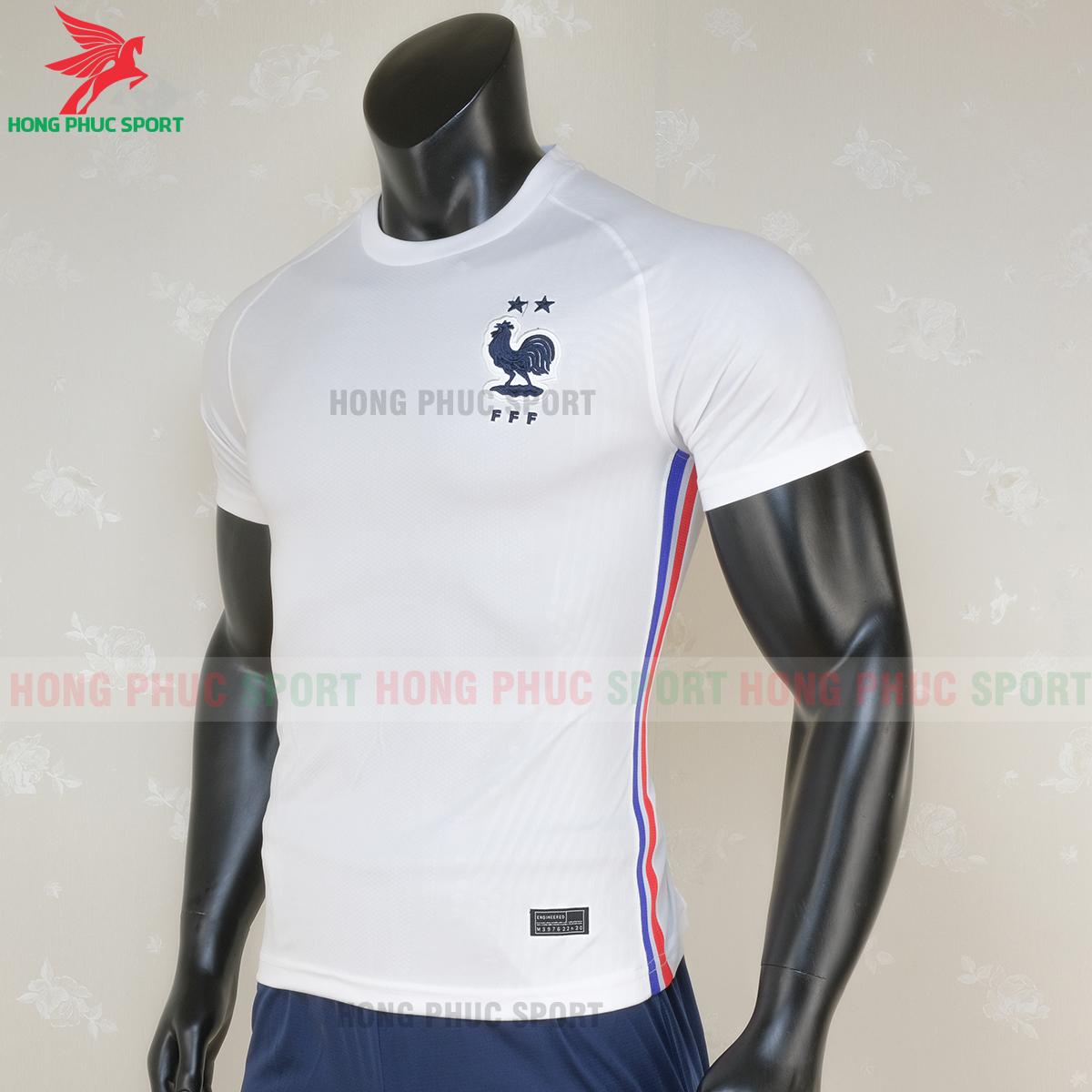 https://cdn.hongphucsport.com/unsafe/s4.shopbay.vn/files/285/ao-bong-da-tuyen-phap-san-khach-2020-3-5f6e9e5d6dd9b.png