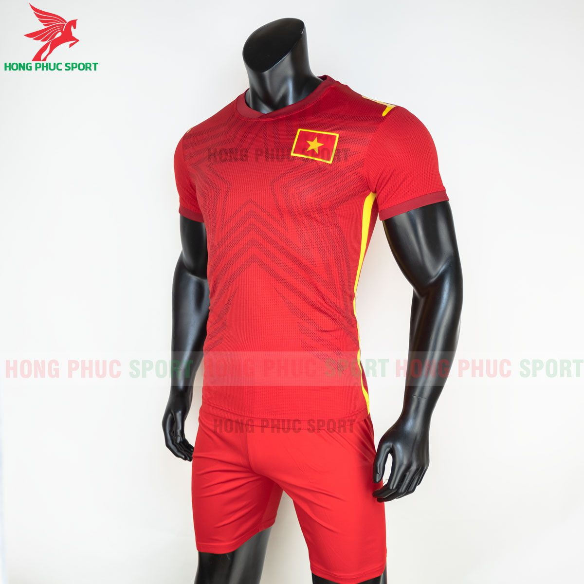 https://cdn.hongphucsport.com/unsafe/s4.shopbay.vn/files/285/ao-bong-da-tuyen-viet-nam-2021-san-nha-hang-thai-4-60d30ffb98c9a.jpg