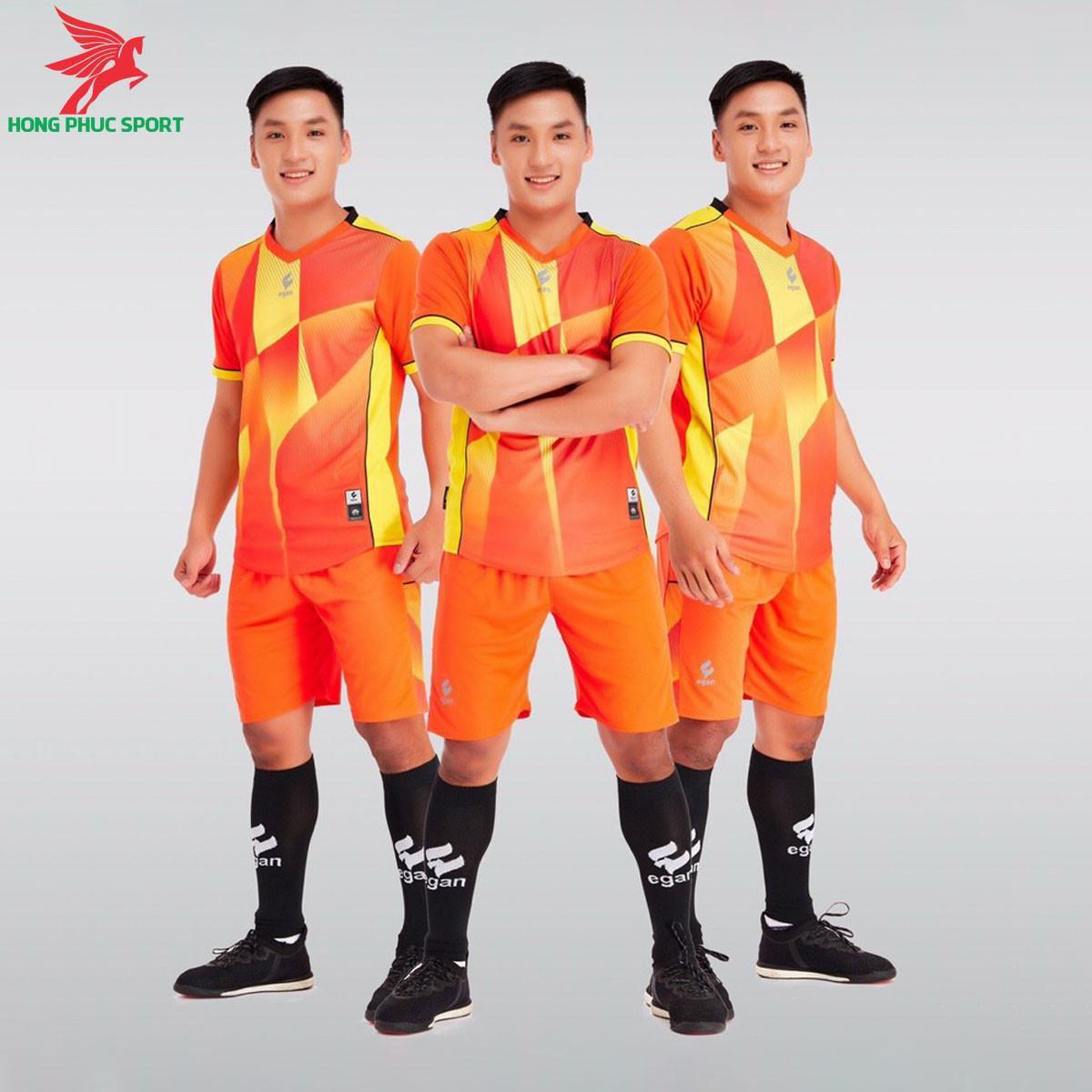 https://cdn.hongphucsport.com/unsafe/s4.shopbay.vn/files/285/ao-da-bong-khong-logo-egan-victory-mau-cam-605083df7ba7d.jpg