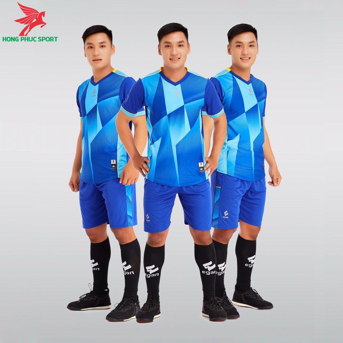 https://cdn.hongphucsport.com/unsafe/s4.shopbay.vn/files/285/ao-da-bong-khong-logo-egan-victory-mau-xanh-duong-605085c409e48.jpg