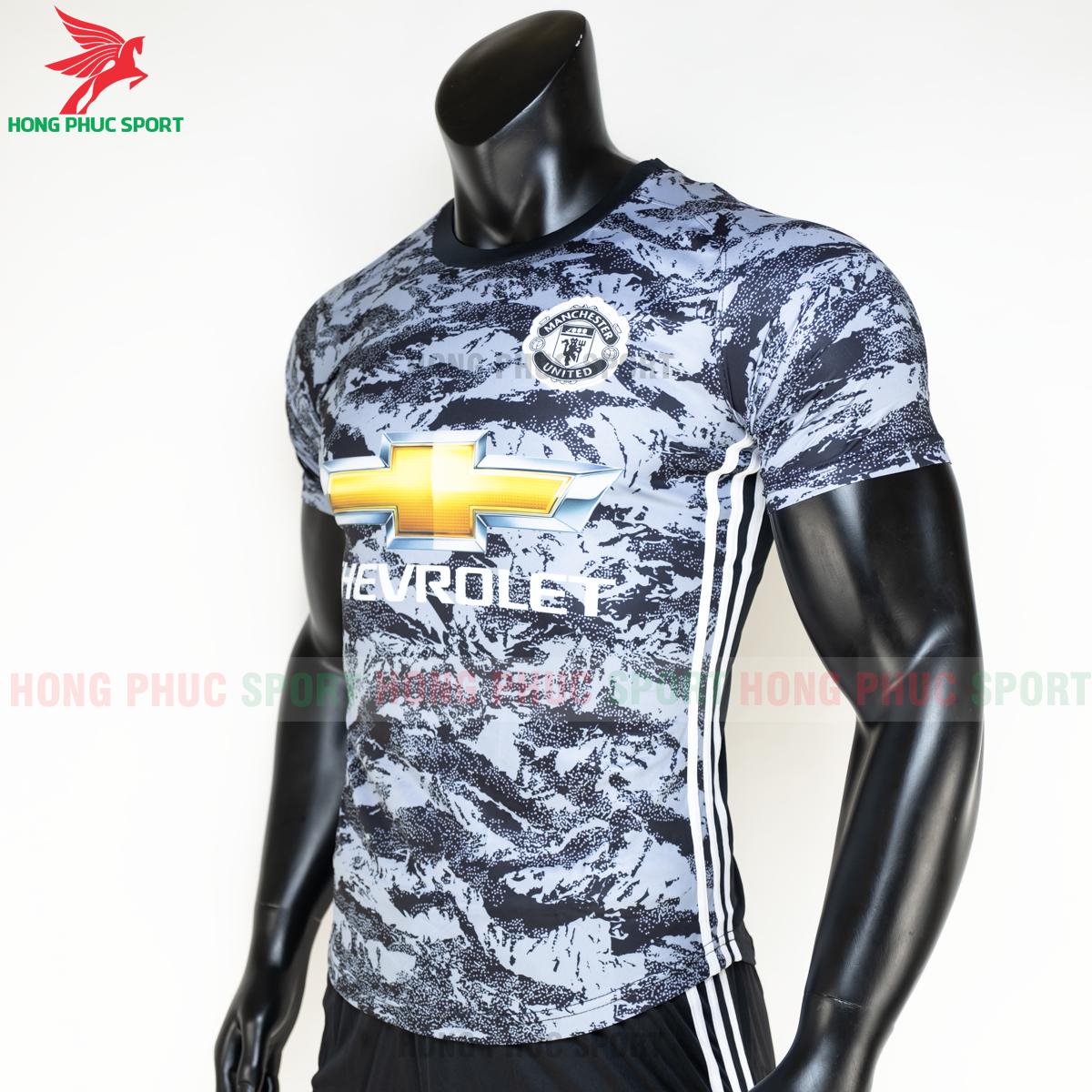 https://cdn.hongphucsport.com/unsafe/s4.shopbay.vn/files/285/ao-da-bong-manchester-united-2020-2021-phien-ban-fan-3-5fe1b75c3db4c.png