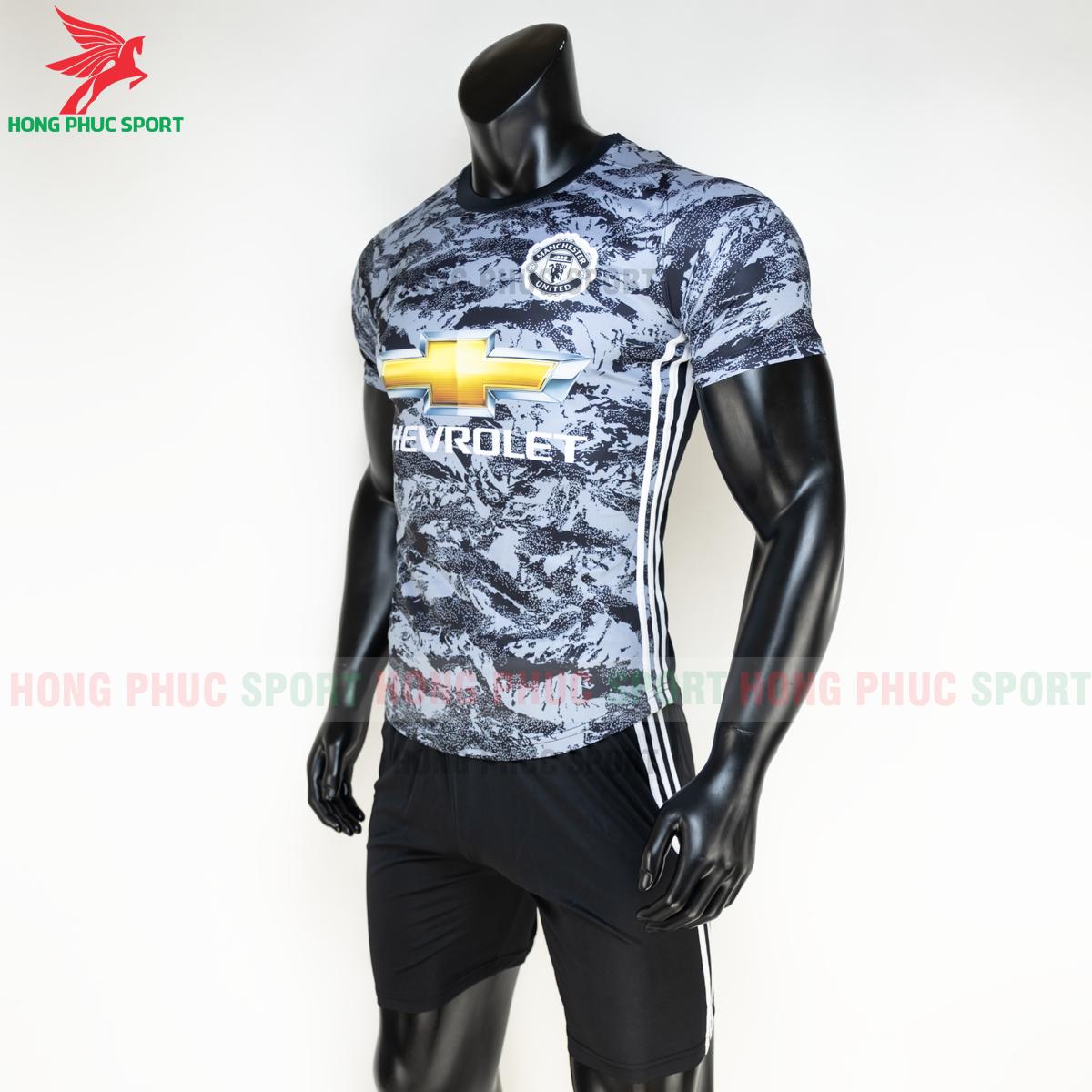 https://cdn.hongphucsport.com/unsafe/s4.shopbay.vn/files/285/ao-da-bong-manchester-united-2020-2021-phien-ban-fan-4-5fe1b75d55343.png