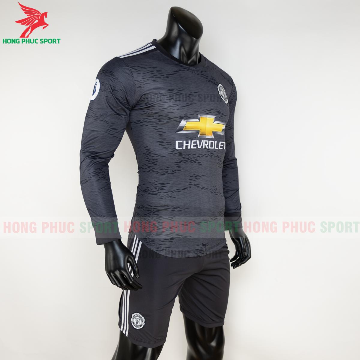 https://cdn.hongphucsport.com/unsafe/s4.shopbay.vn/files/285/ao-dai-tay-manchester-united-2020-san-khach-4-5f8fde1ff25fb.png
