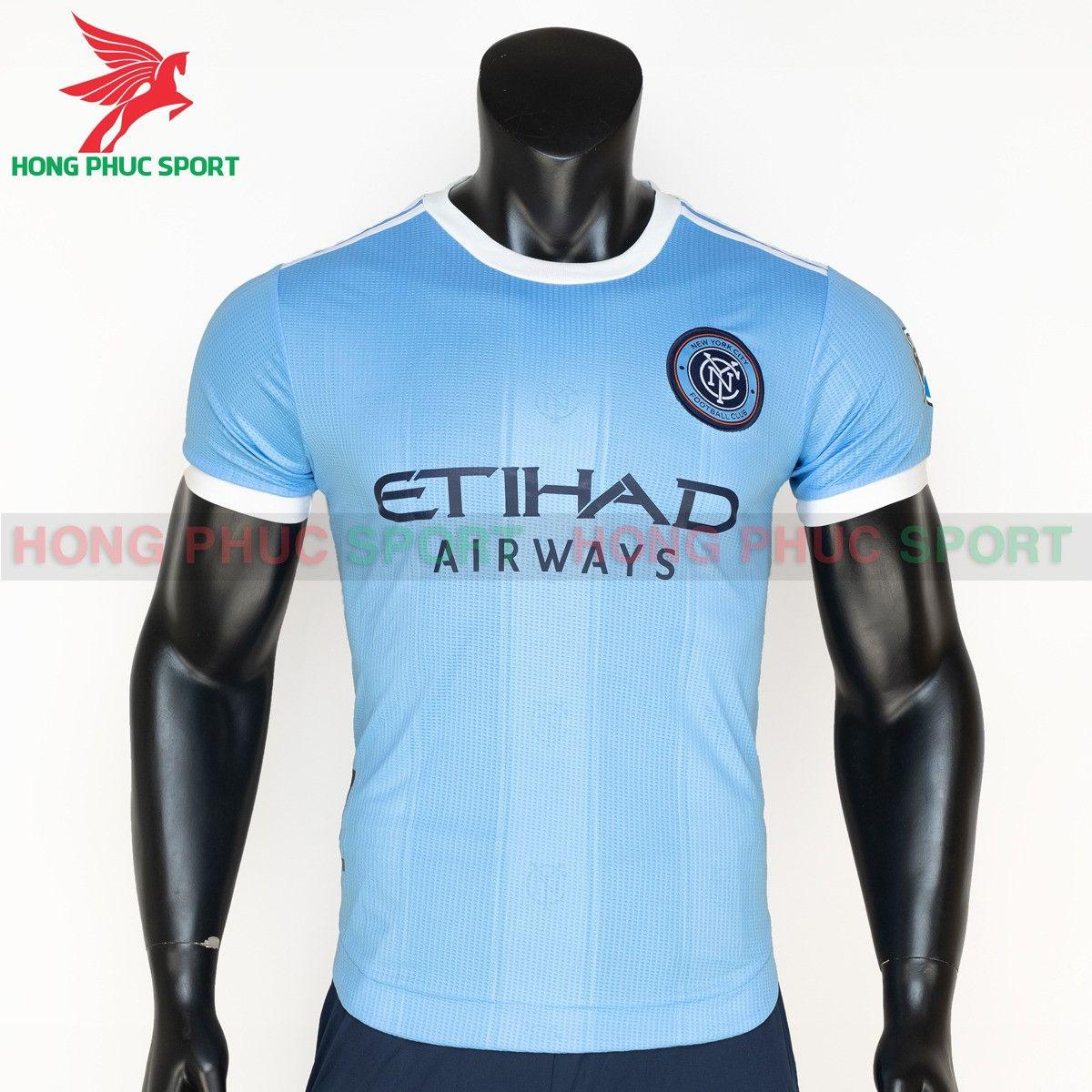 https://cdn.hongphucsport.com/unsafe/s4.shopbay.vn/files/285/ao-dau-new-york-city-2021-2022-san-nha-thailand-614add2c00978.jpg