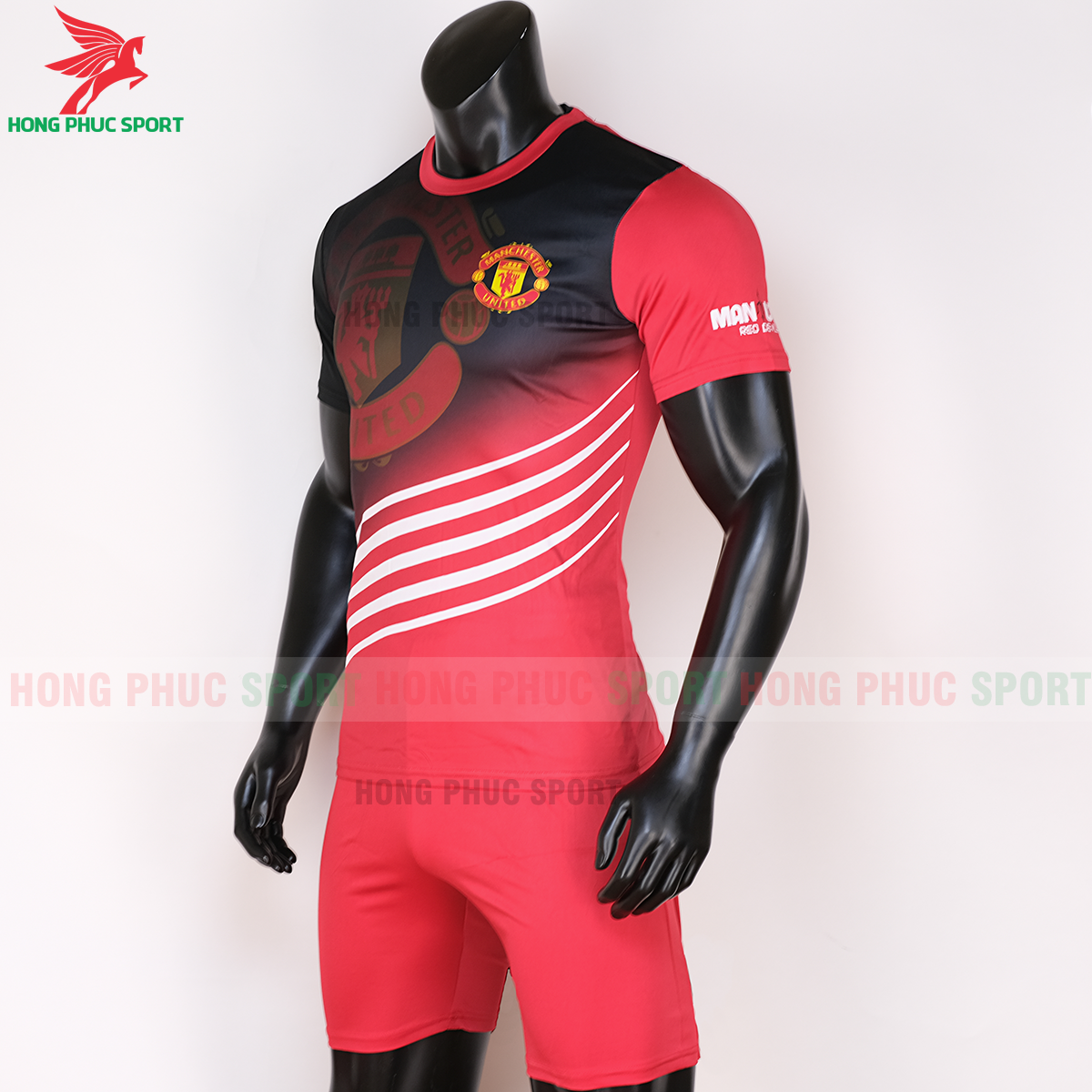 https://cdn.hongphucsport.com/unsafe/s4.shopbay.vn/files/285/ao-manchester-united-2020-2021-phien-ban-fan-phai-5f6c0e38d51b6.png