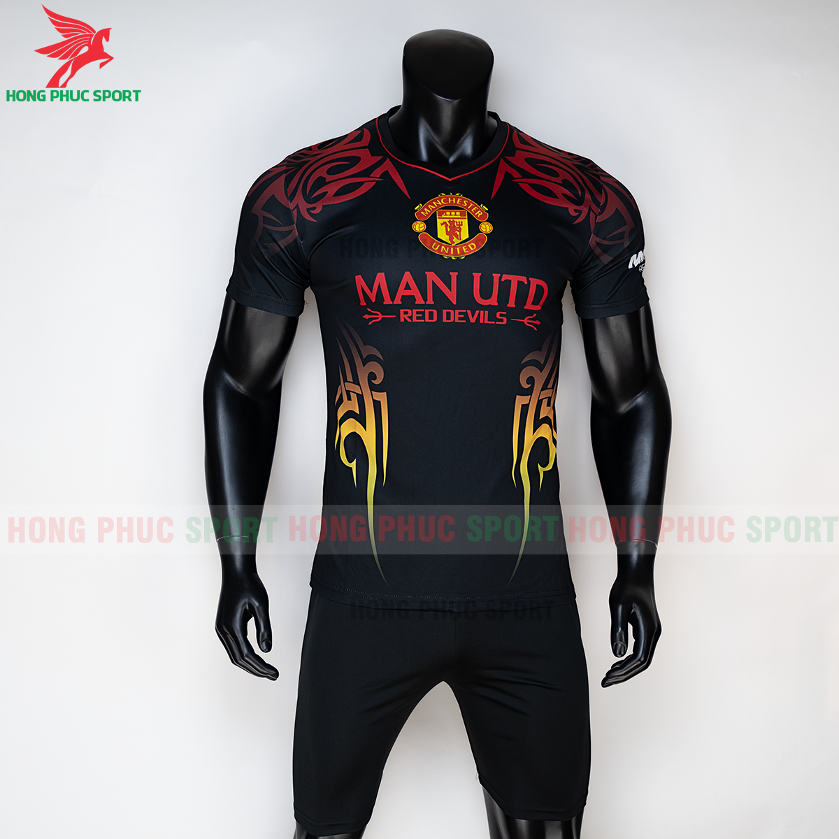 https://cdn.hongphucsport.com/unsafe/s4.shopbay.vn/files/285/ao-manchester-united-2020-phien-ban-fan-1-5f72df75e791a.png