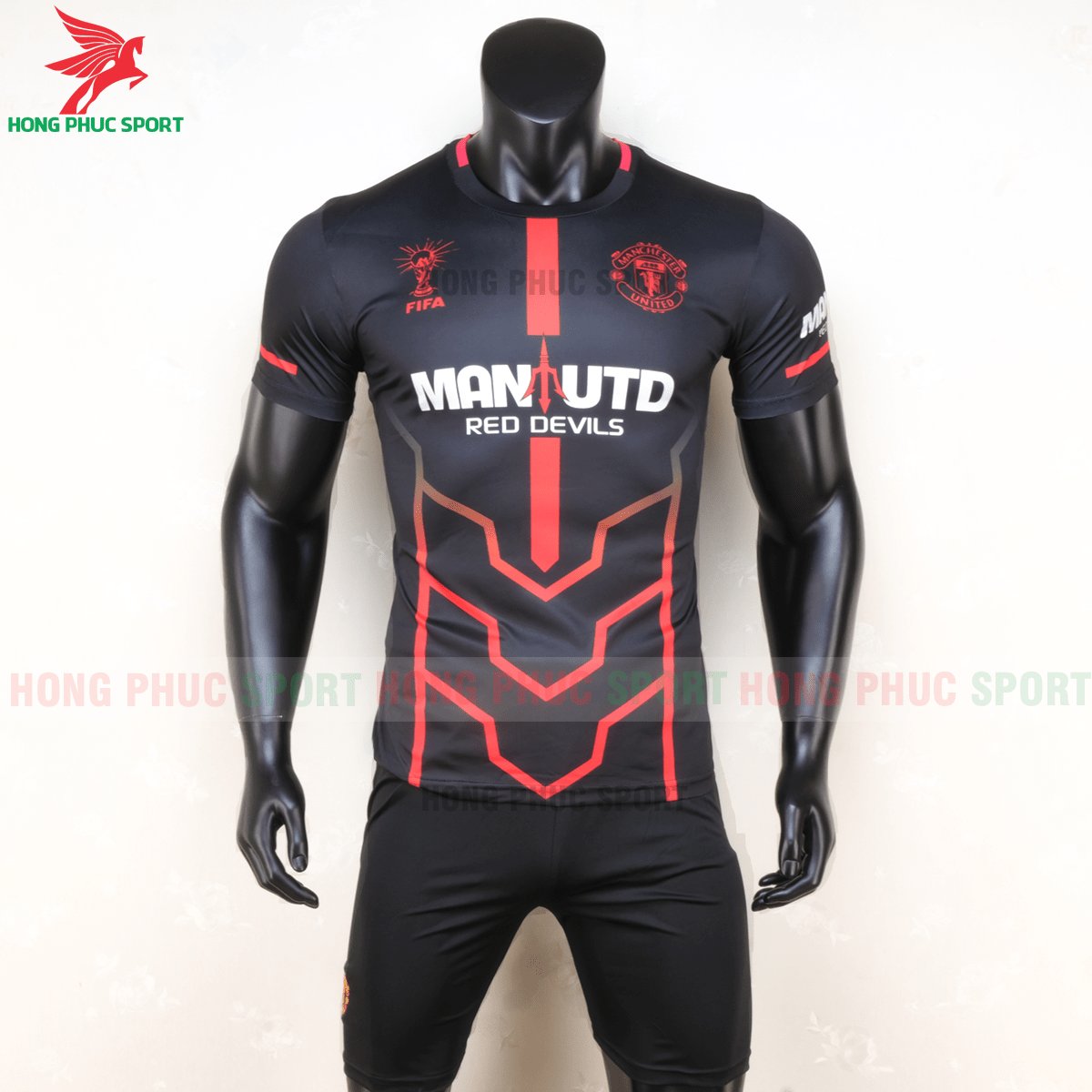 https://cdn.hongphucsport.com/unsafe/s4.shopbay.vn/files/285/ao-manchester-united-2020-phien-ban-fan-1-5f72e25018fd0.png