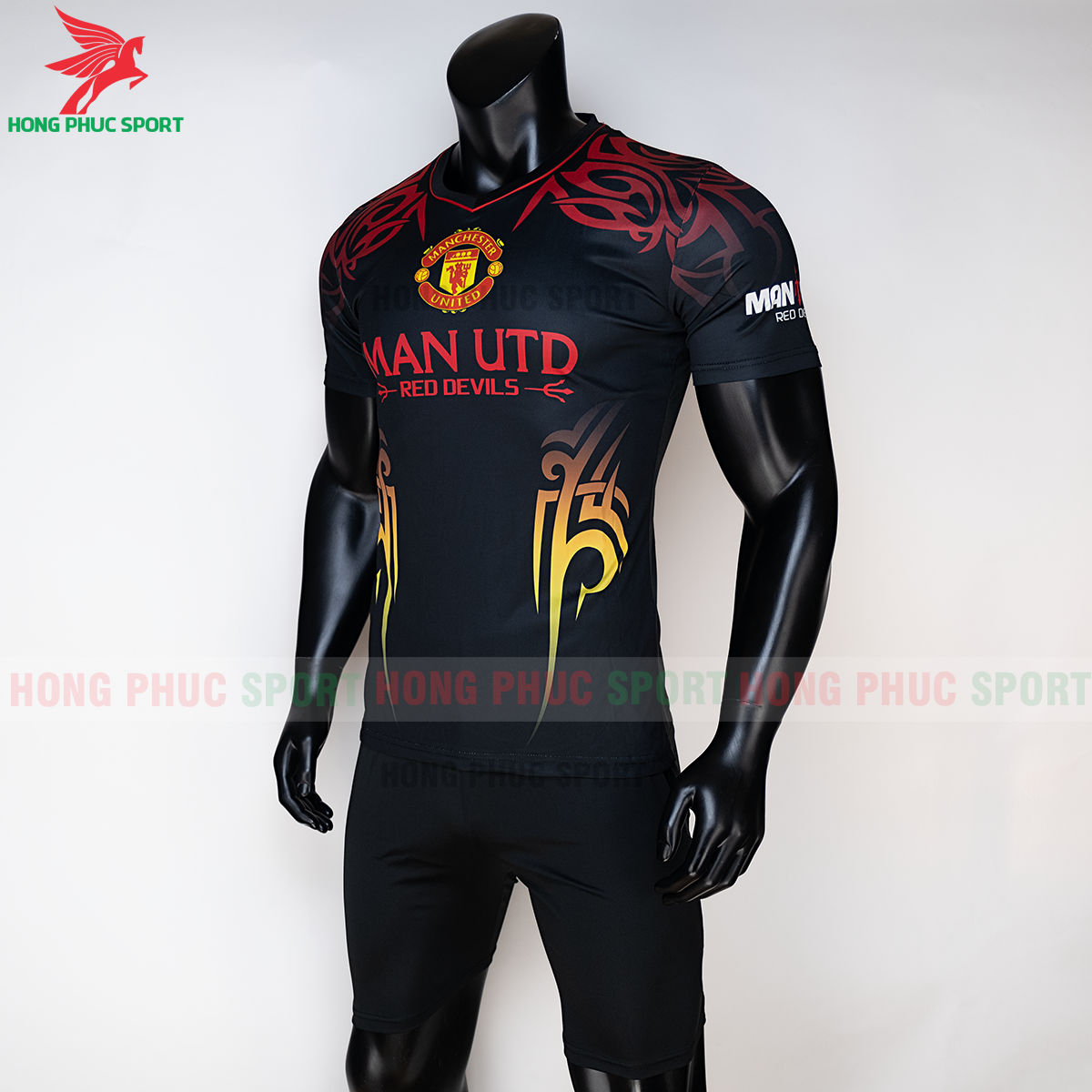 https://cdn.hongphucsport.com/unsafe/s4.shopbay.vn/files/285/ao-manchester-united-2020-phien-ban-fan-5-5f72df80bbafb.png