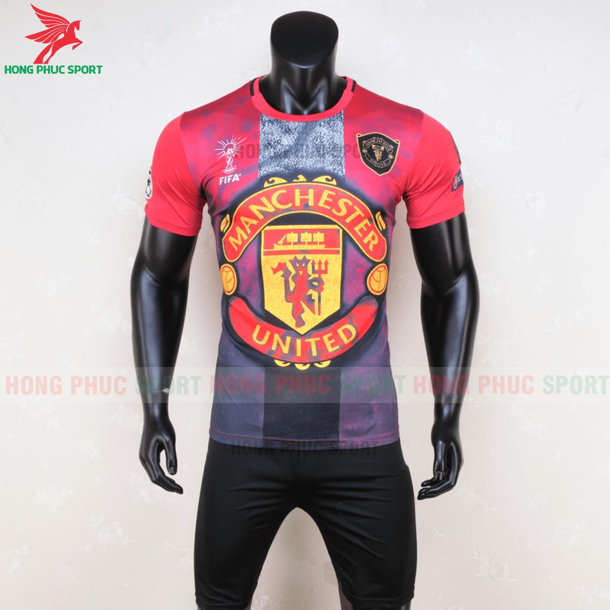 https://cdn.hongphucsport.com/unsafe/s4.shopbay.vn/files/285/ao-manchester-united-2020-phien-ban-fan-mau2-1-5f72e57b68853.png