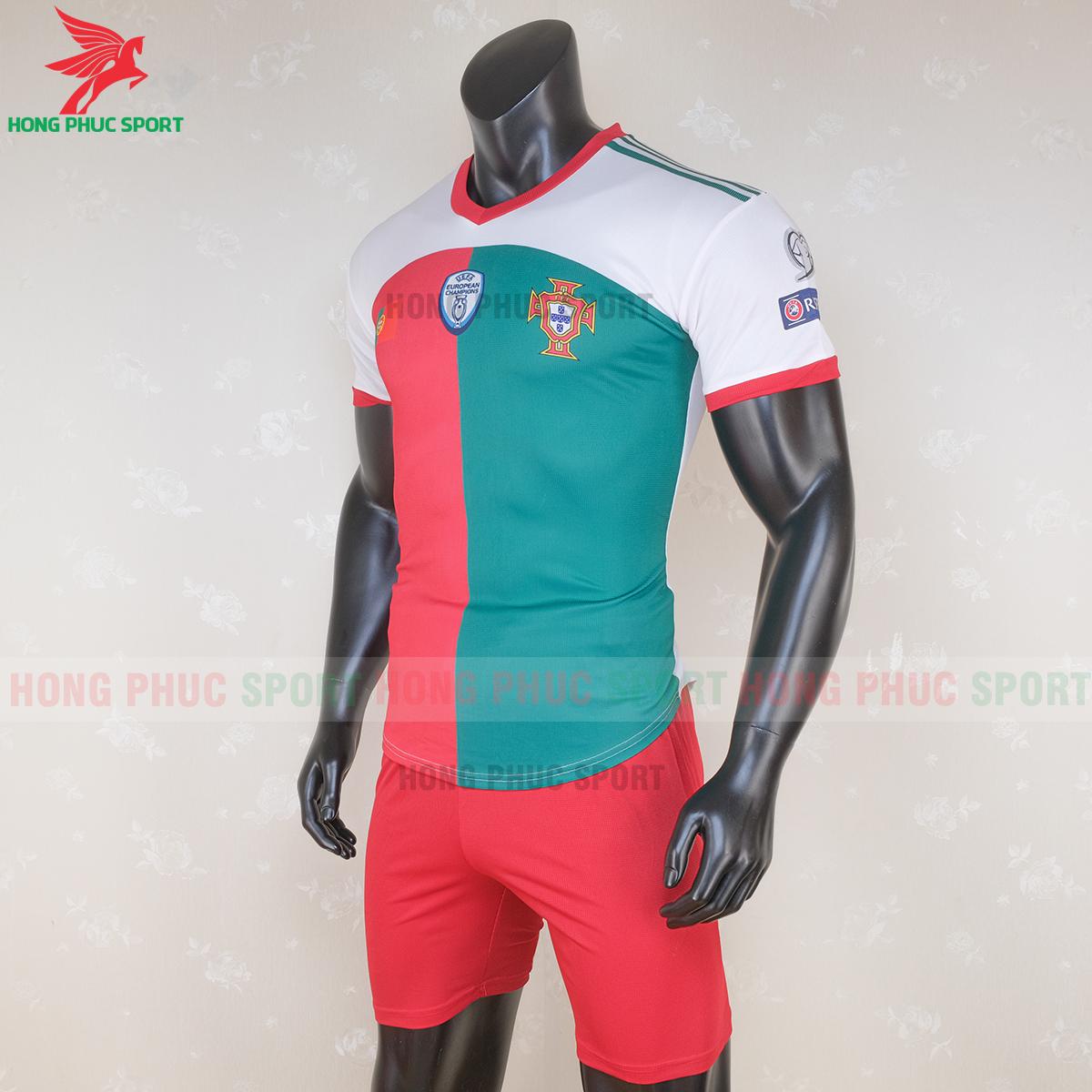 https://cdn.hongphucsport.com/unsafe/s4.shopbay.vn/files/285/ao-tuyen-bo-dao-nha-2020-2021-phien-ban-fan-hang-thailand-6-5f6ec9f855a42.png
