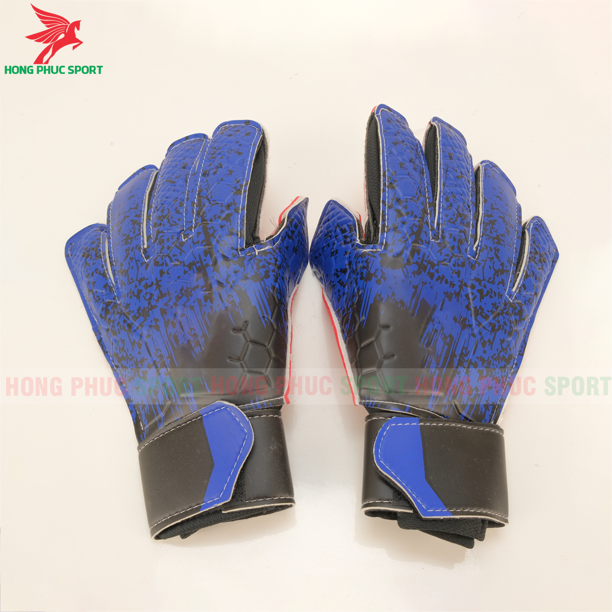 https://cdn.hongphucsport.com/unsafe/s4.shopbay.vn/files/285/gang-tay-thu-mon-adidas-mau-xanh-duong-5f7c26df812cb.png